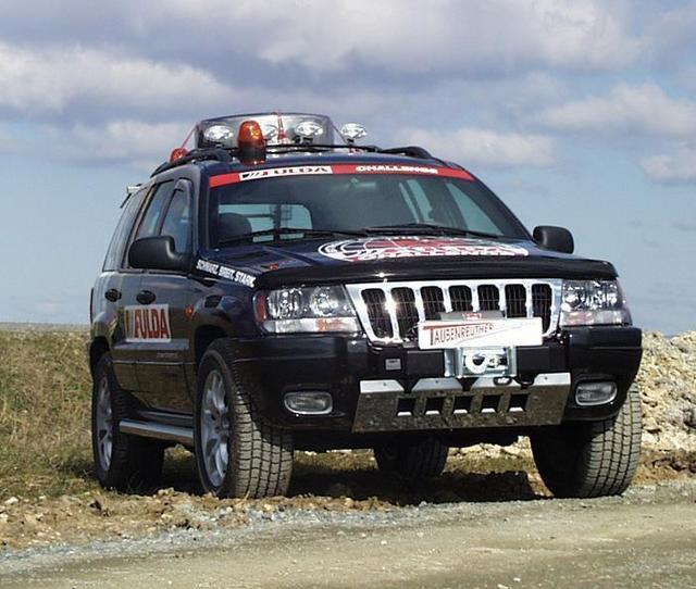 jeep fahrwerk jeep zubeh r jeep jk windenanbausatz aufbau mit unterfahrschutz. Black Bedroom Furniture Sets. Home Design Ideas